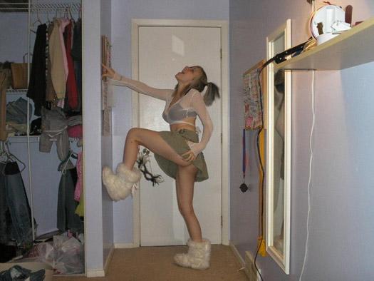 emo sexy Jeune emo blonde coquine se god la chatte en photo perso sexy